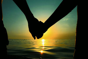 holding-hands_300