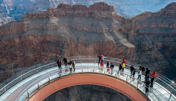 skywalk-aerial-people_courtesyhualapai_680-612x353